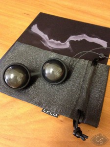 LELO LUNA Beads Noir Review by Cara Sutra