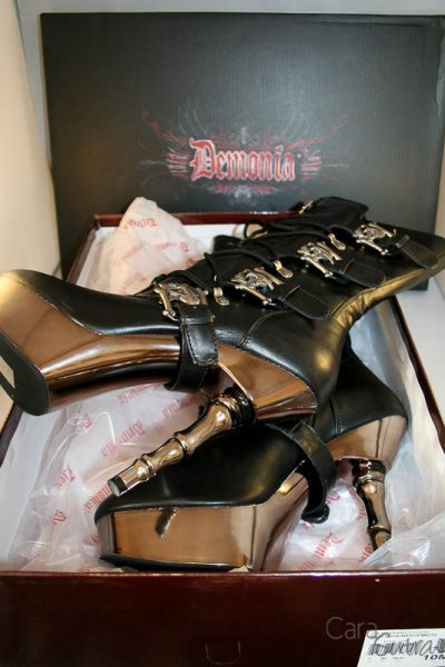 demonia muerto boots review Cara Sutra 800-11