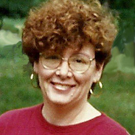 Lizzie Ashcroft Author Profile Picture