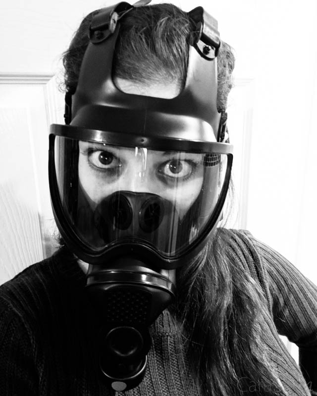 LORIE: Latex gasmask breathplay and dildo fuck
