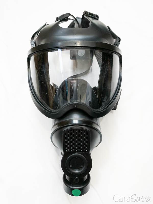 Bdsm gas mask